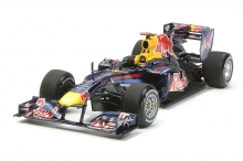 Tamiya 20067 Red Bull Racing Renault RB6